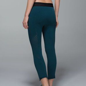 Lululemon Warp Knit Tight Alberta Lake S